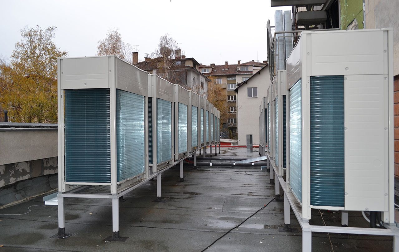 Hotel Hemes - vrv iv installed discreetly on roof